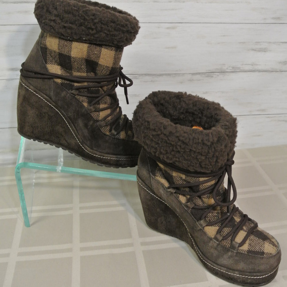 7b40738f674bf Rocket Dog Shoes | Faux Shearling Wedge Suede Plaid 9 Boot | Poshmark